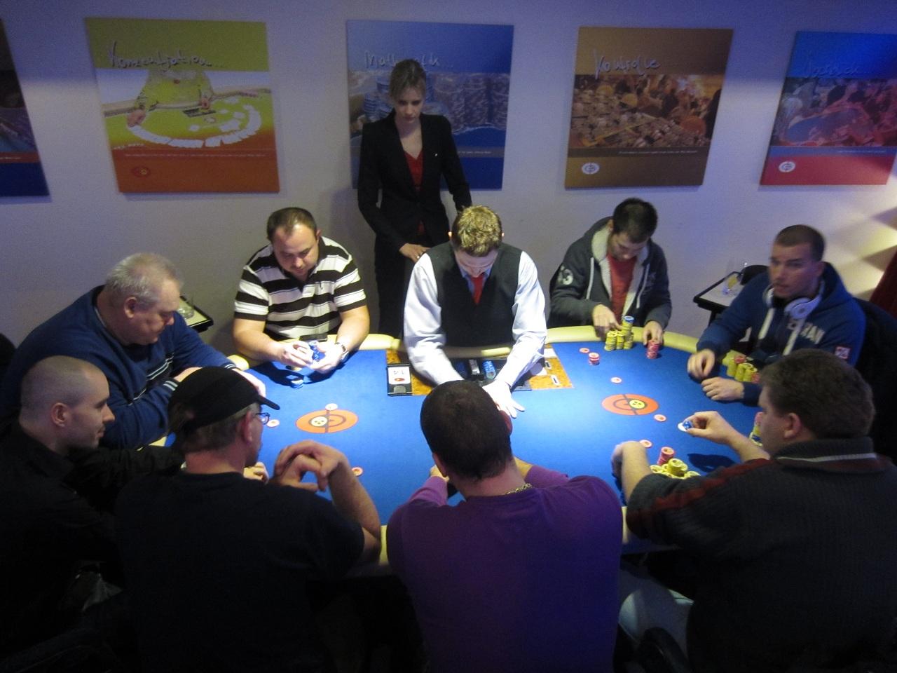 Holdem tournament
